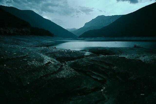 האגם השחור